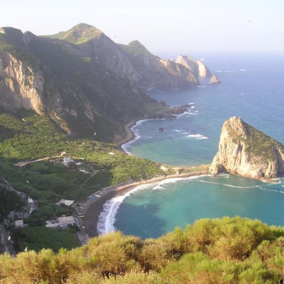 Isola di Palmarola nell'arcipelago delle isole pontine