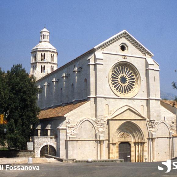 Fossanova - Facciata della chiesa